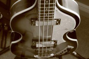 bass-guitar-433969